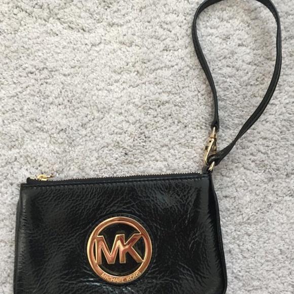 Michael Kors Wristlet Clutch Wallet Glossy Black
